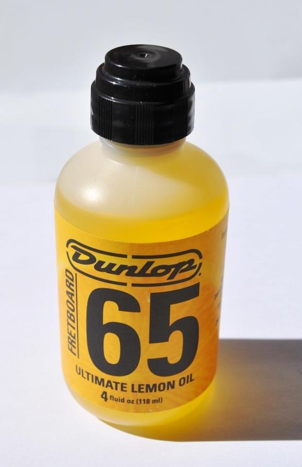 Lemon Oil Dunlop Formula 65 Fretboard